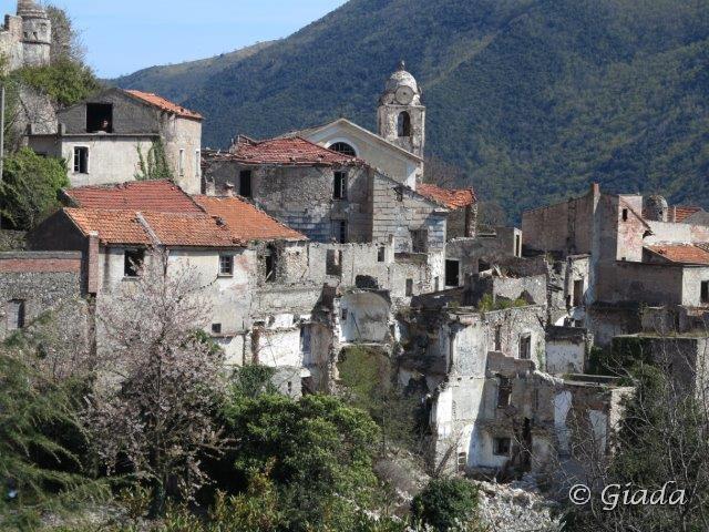 Il vecchio borgo diruto di Balestrino