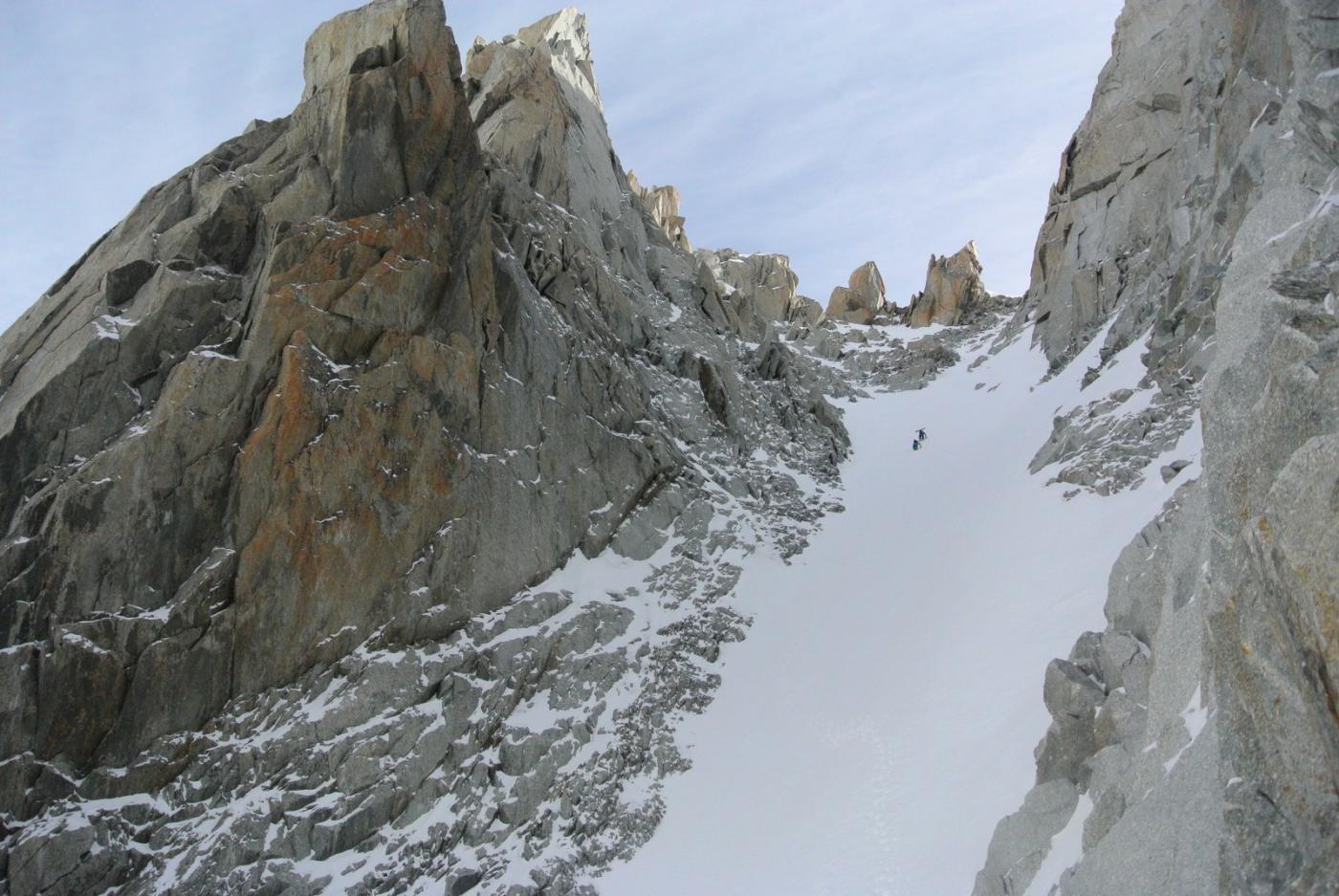 sciatori nel canale Gervasutti... scenderanno dall'altra parte