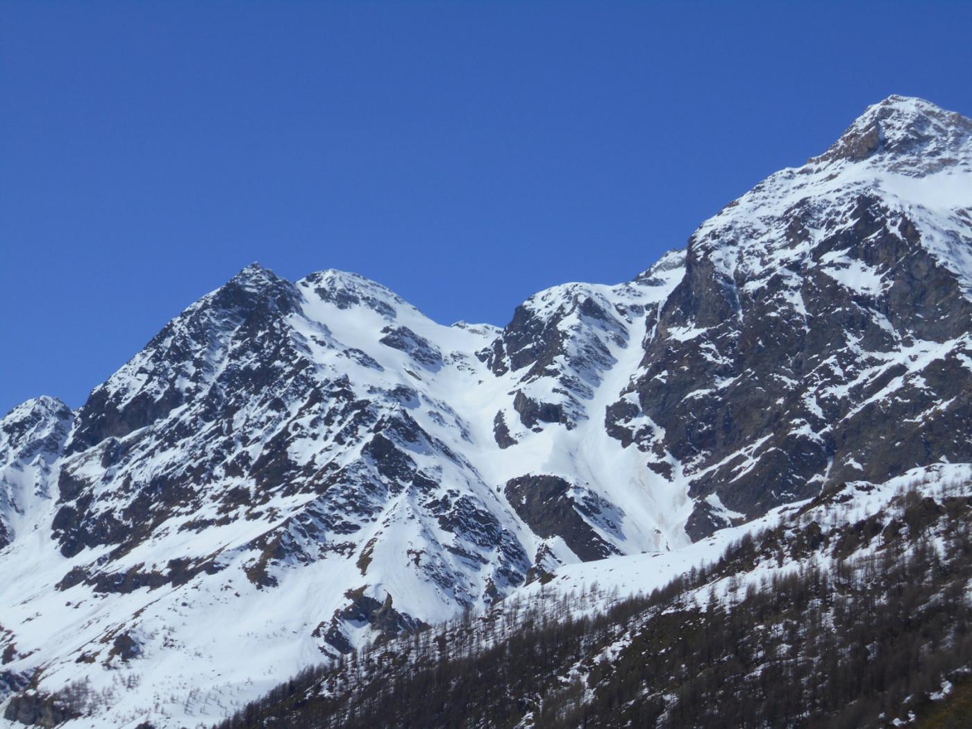 Brulè, Collon, Bella Tza, Vofrede (Colli) da Cervinia, giro del Cervino (3 gg) 2015-04-13