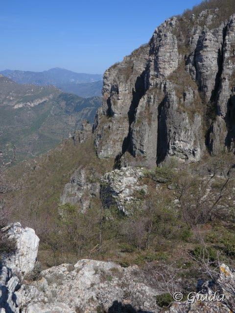 I Giganti del Giardino di Monte Nero, e il canale dove si esce col Sentiero dei Giganti