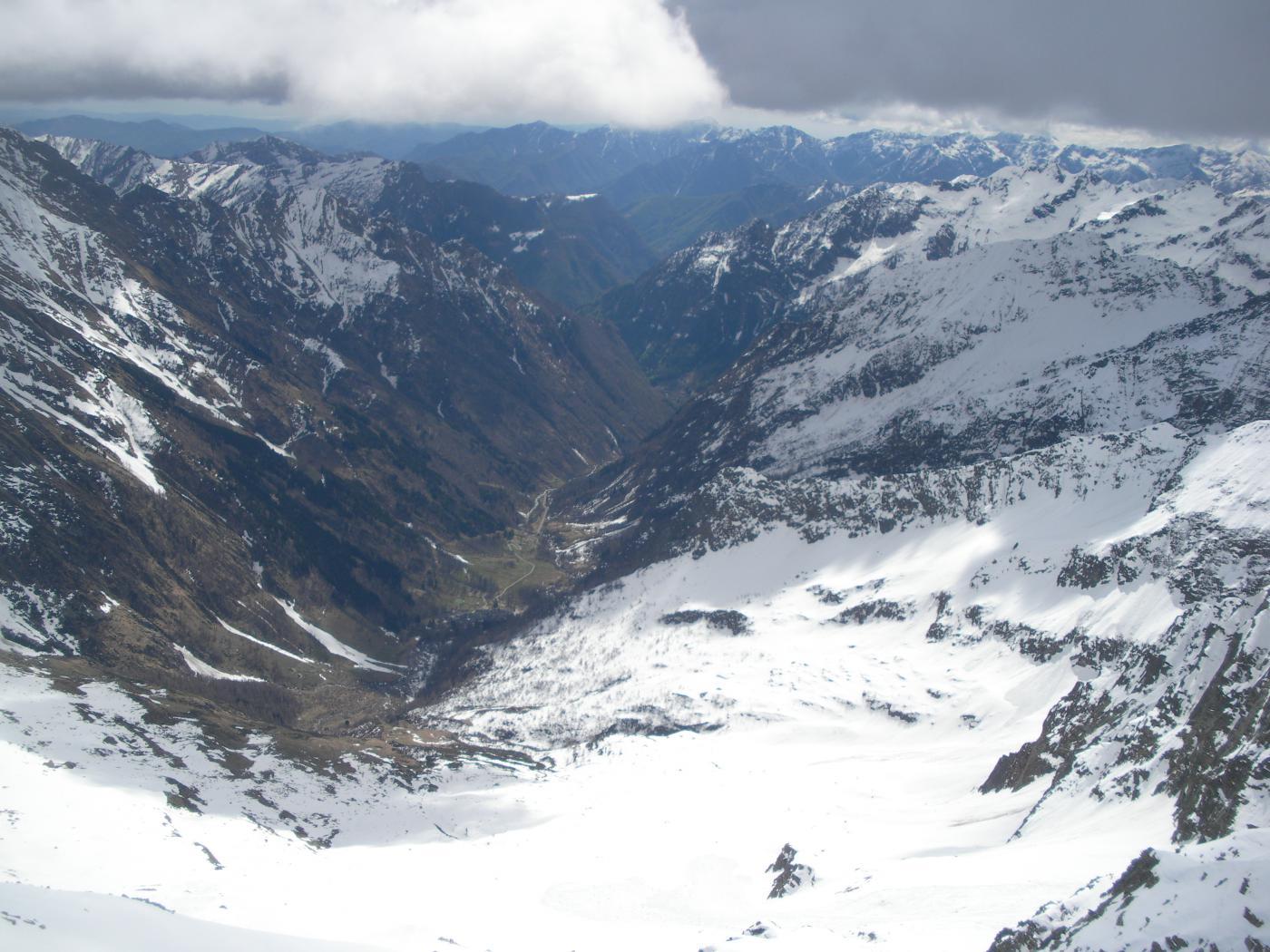 laggiu' Rima e la Val Sermenza..dal Piglimo'..