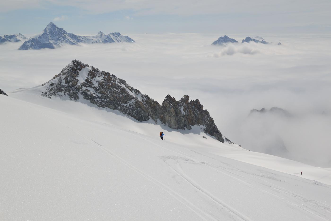 mare di nubi dalla cima