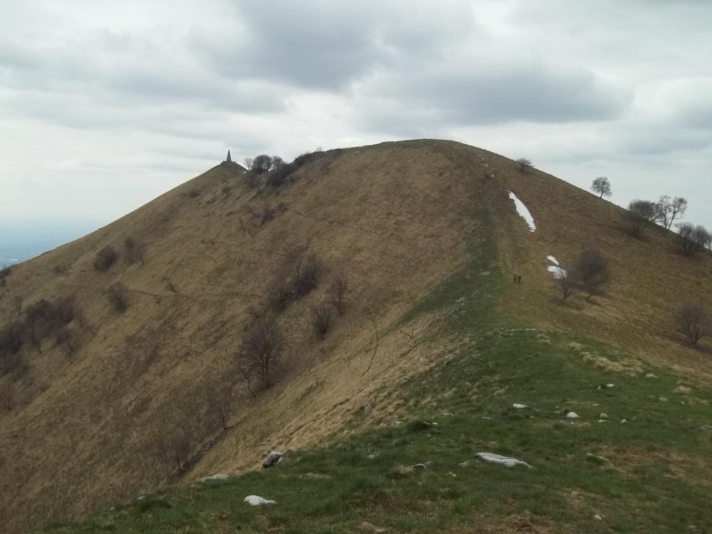 monte Bul e in fondo il Palanzone