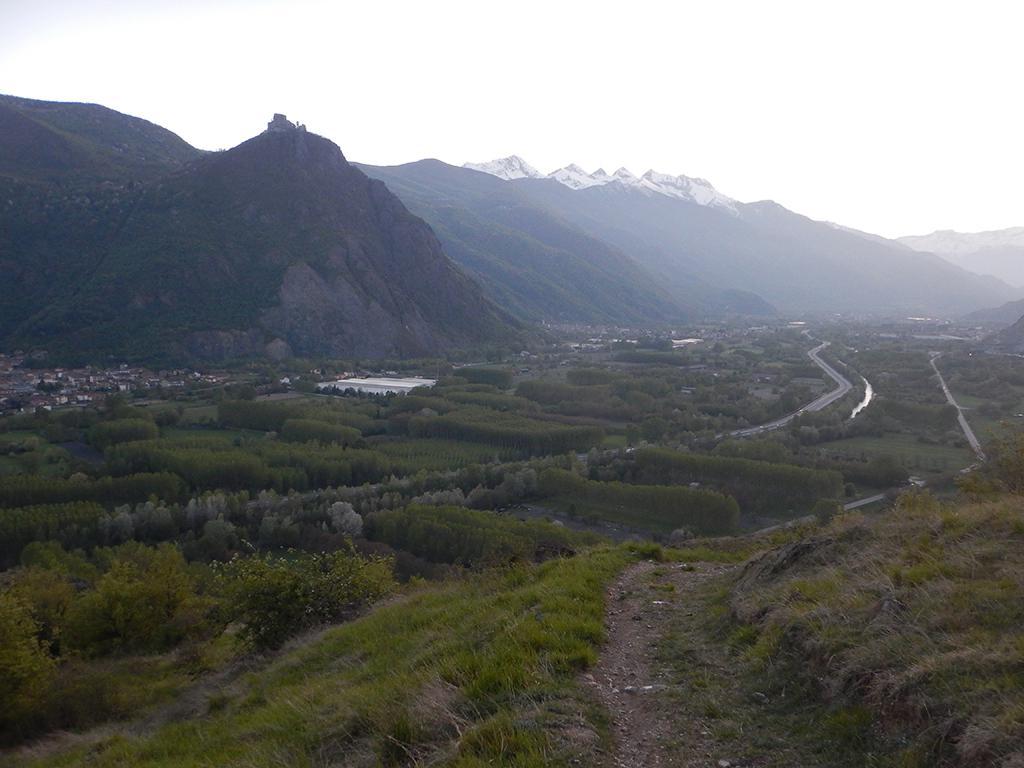 Uscita in cresta con vista Bassa Valle
