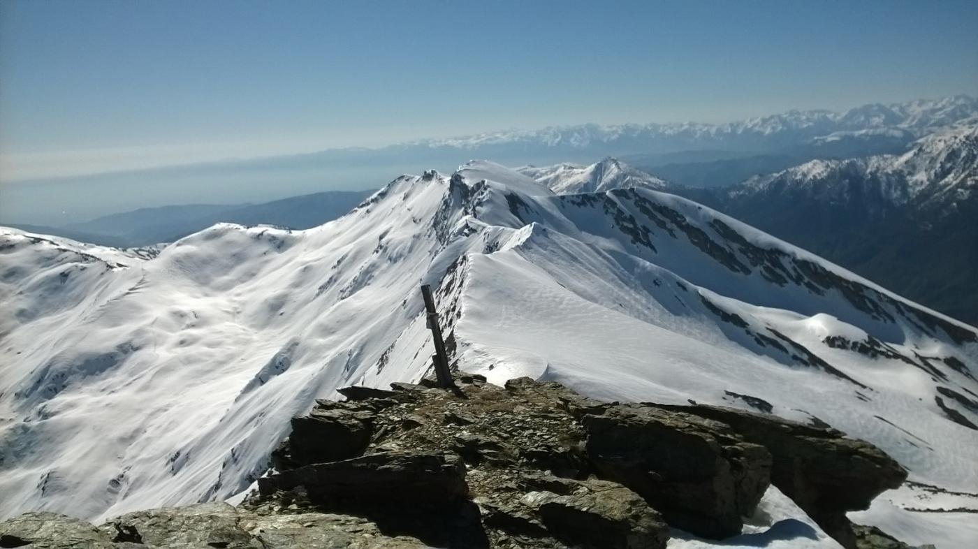 La bella cresta verso le Barre vista dalla cima