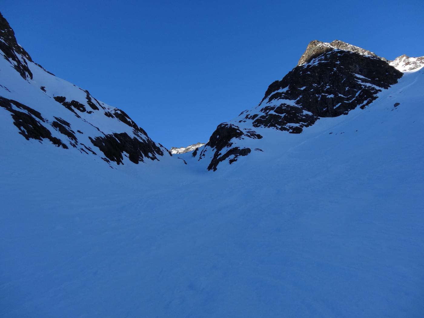 canale per arrivare sul ghiacciao