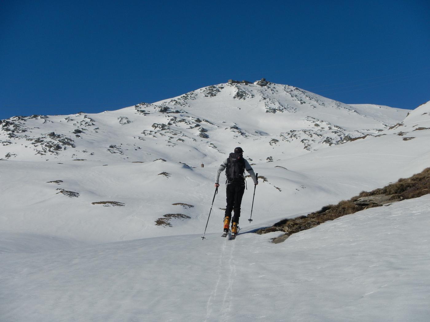 sullo sfondo il Monte Malamot