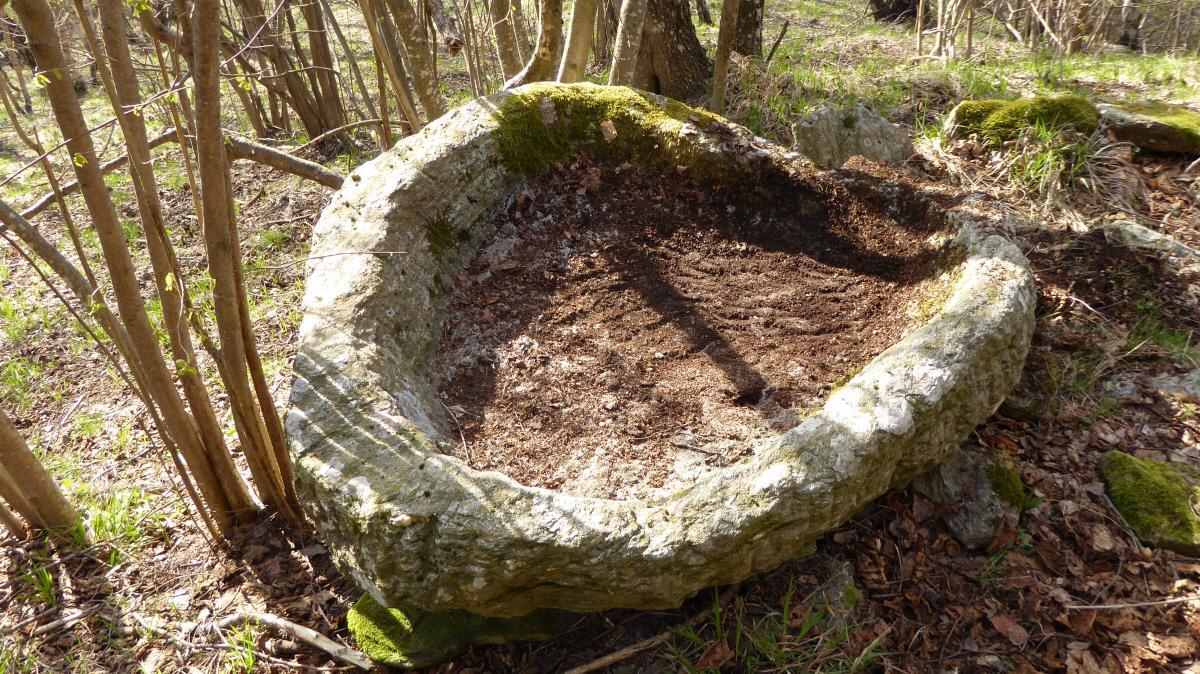 Vasca in pietra a Ingrette