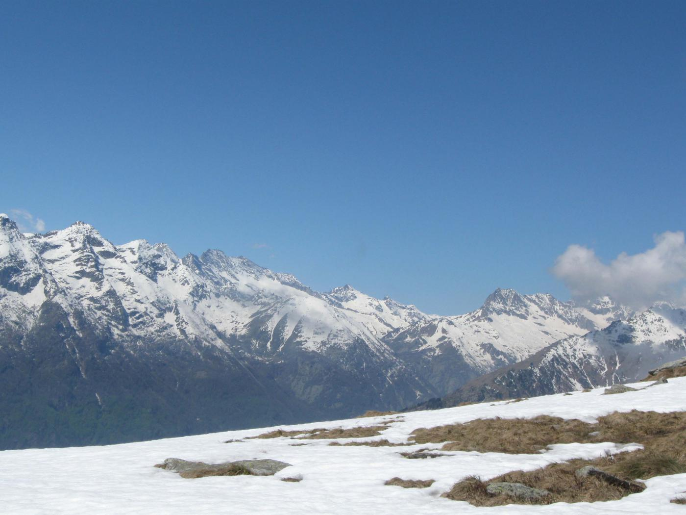 bellissimo panorama dal Soglio alle Levanne al Gran Paradiso.