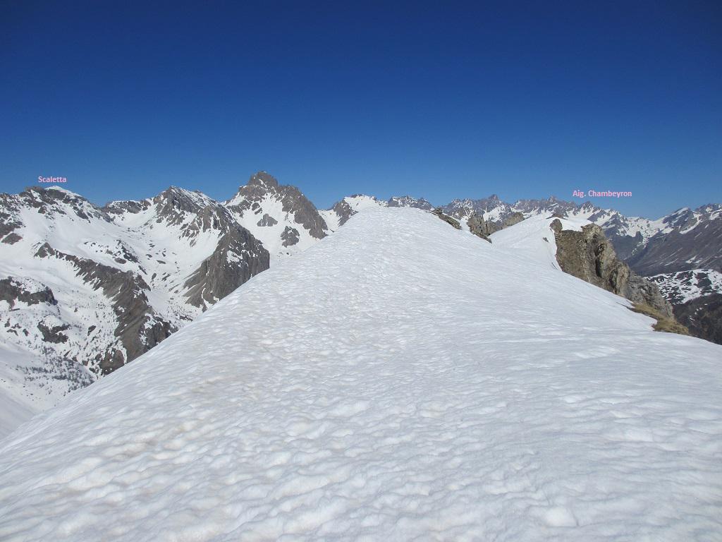 La cima con vista dalla Scaletta alla Aiguille