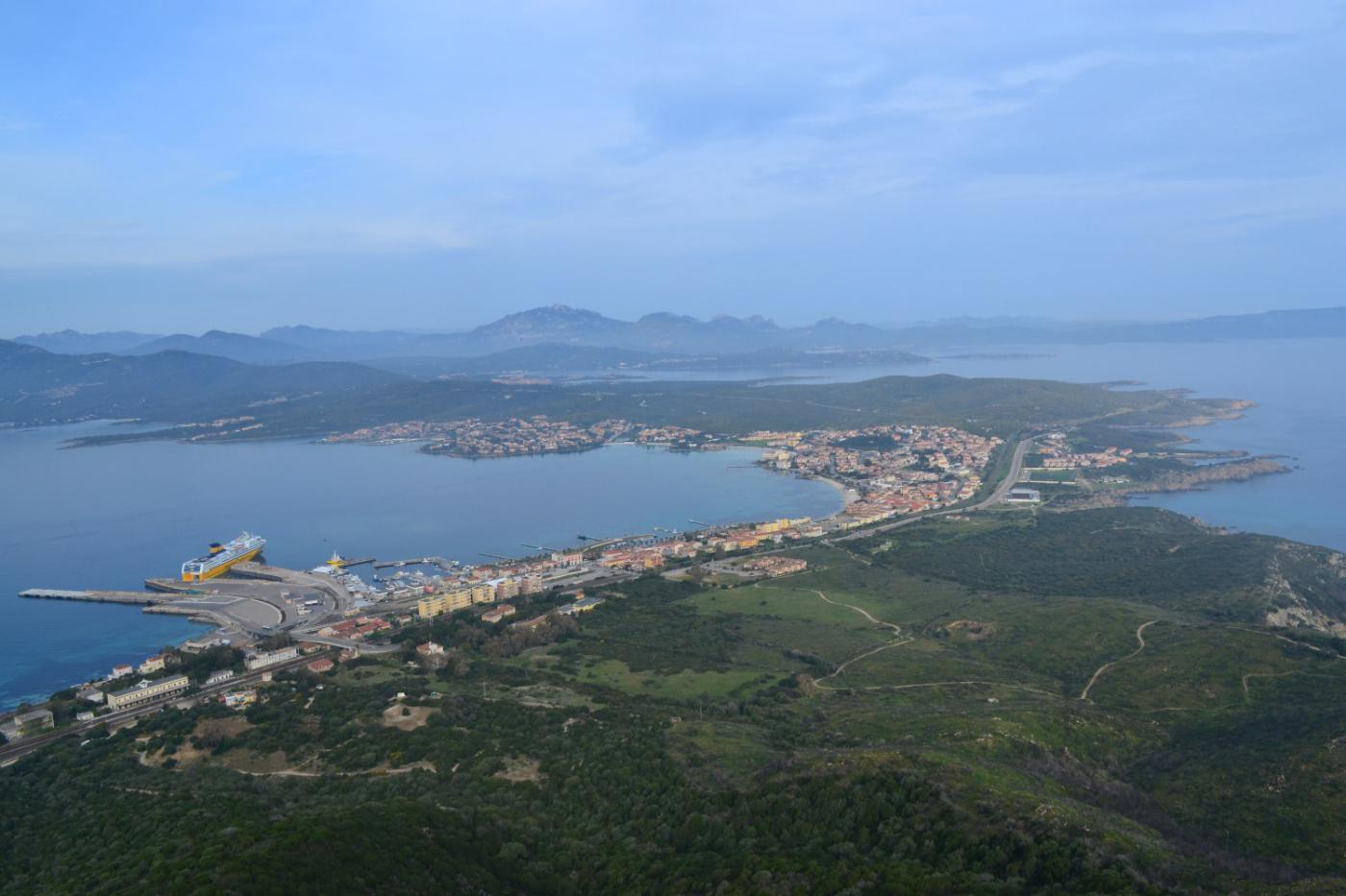 panorama su Golfo Aranci dalla cima