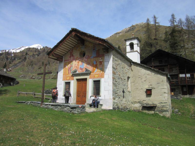 La chiesetta di Follù