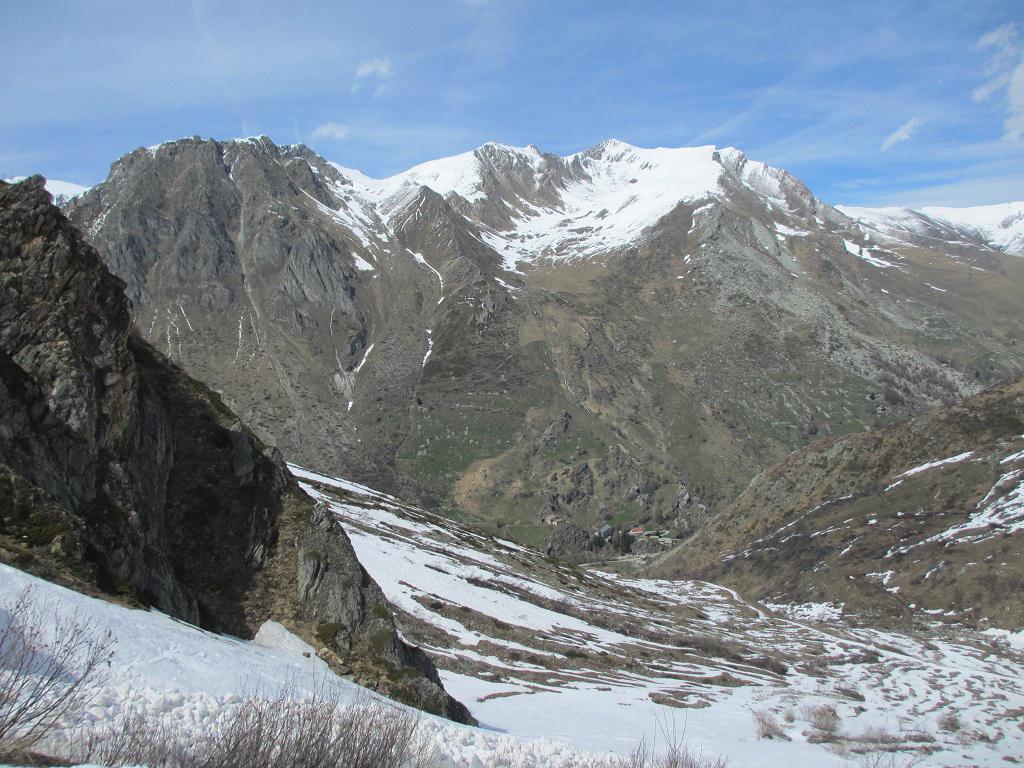 Al pomeriggio il versante sud del M.Ferra con la neve caduta il giorno prima già sciolta