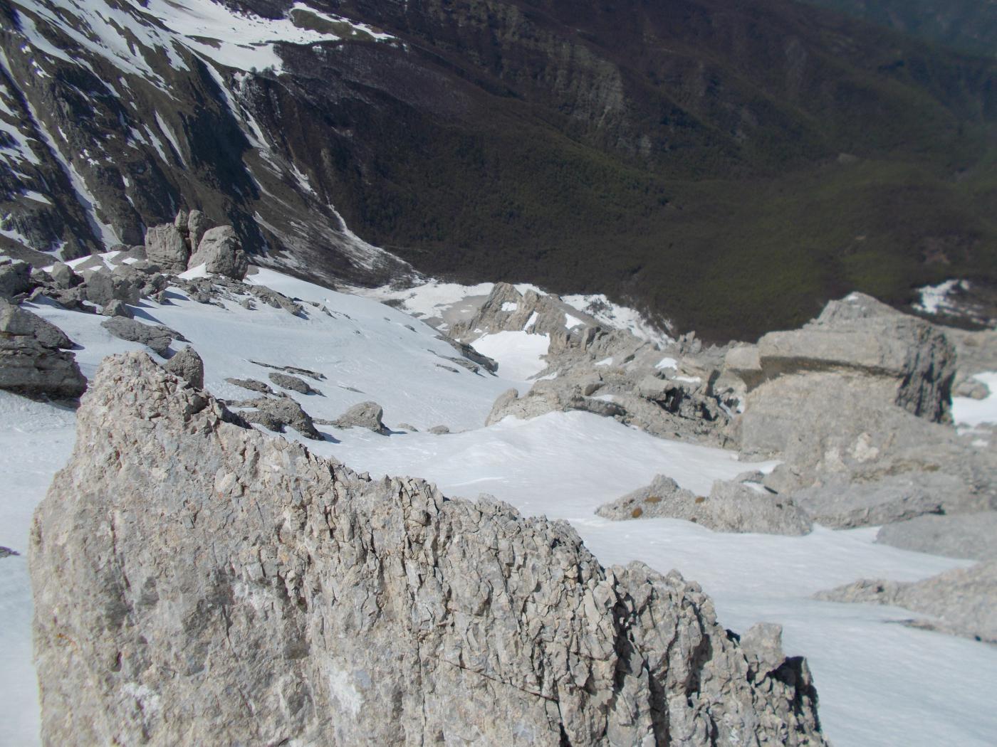 Intermesoli (Monte, cima Nord)Canale a S del Brecciarone 2015-05-01