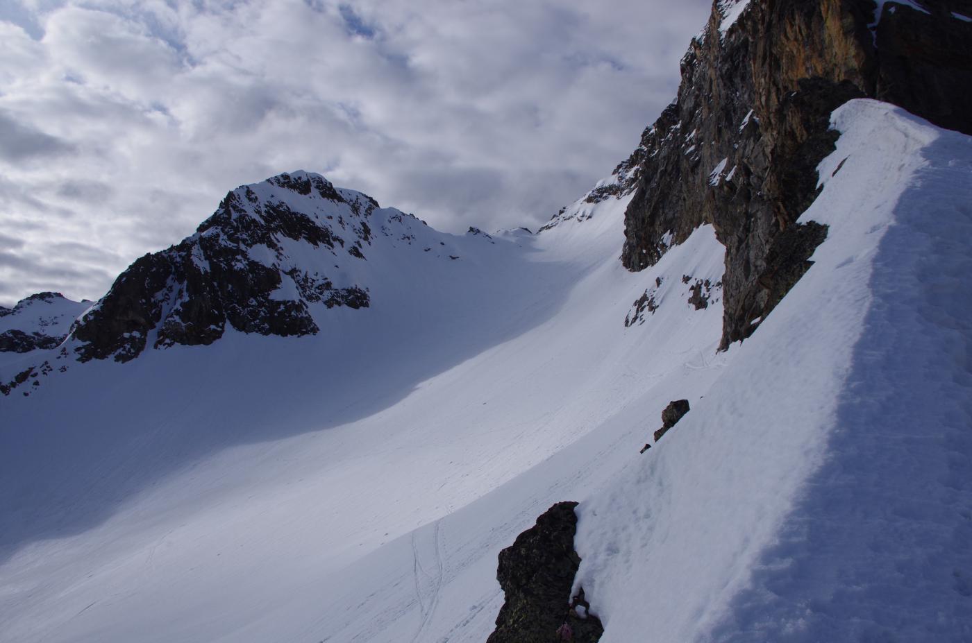 Vallone di salita dal Passo dei Ghiacciai (Cima Borello sulla sx, finale alpinistico)