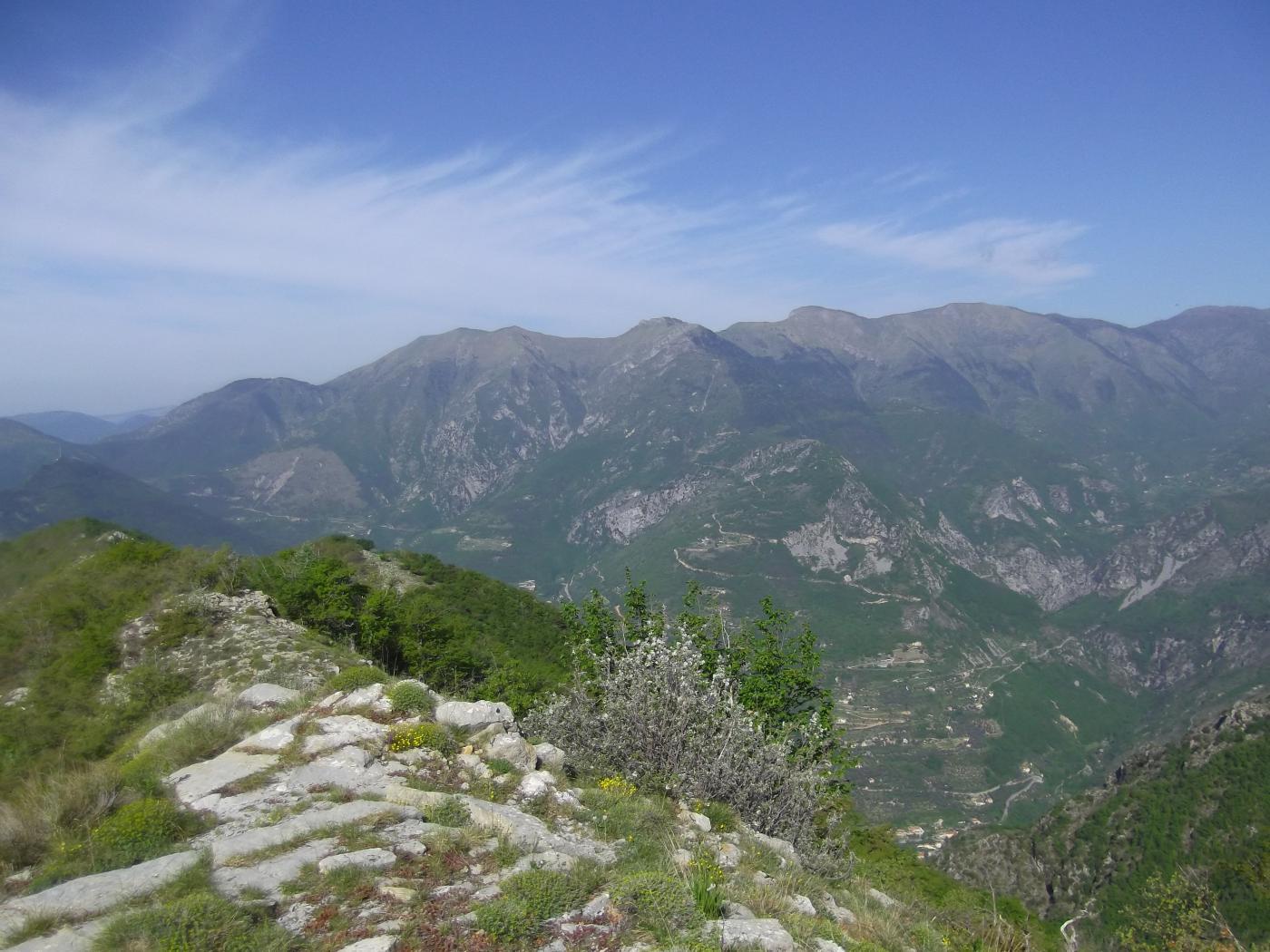 Zona Mangiabo' vista dal Collet d'Aine.