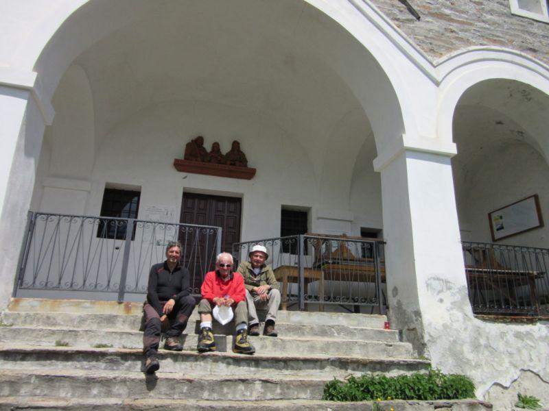 Davanti al Santuario
