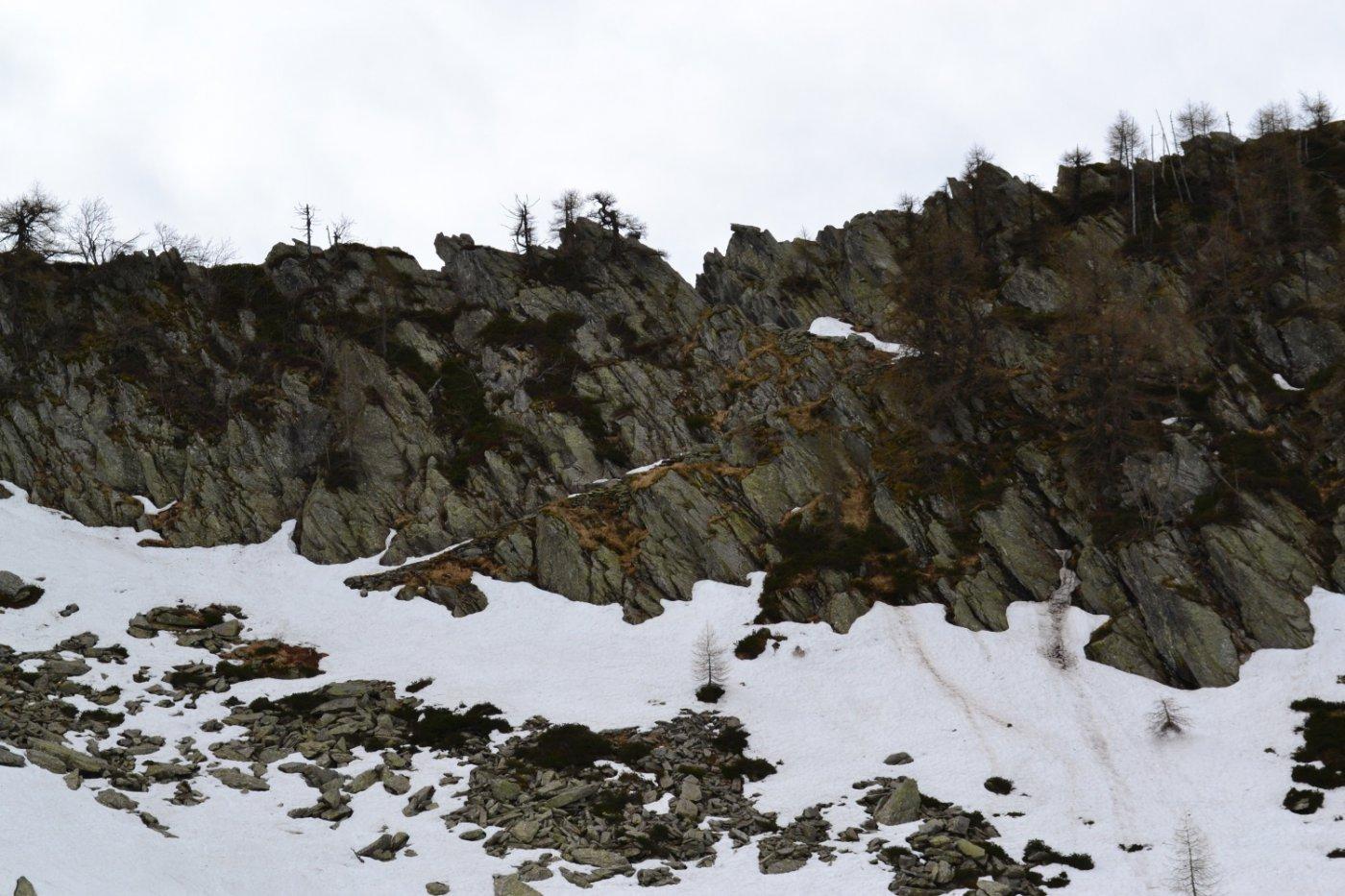 la bella scala in pietra che consente l'accesso in Val Grande