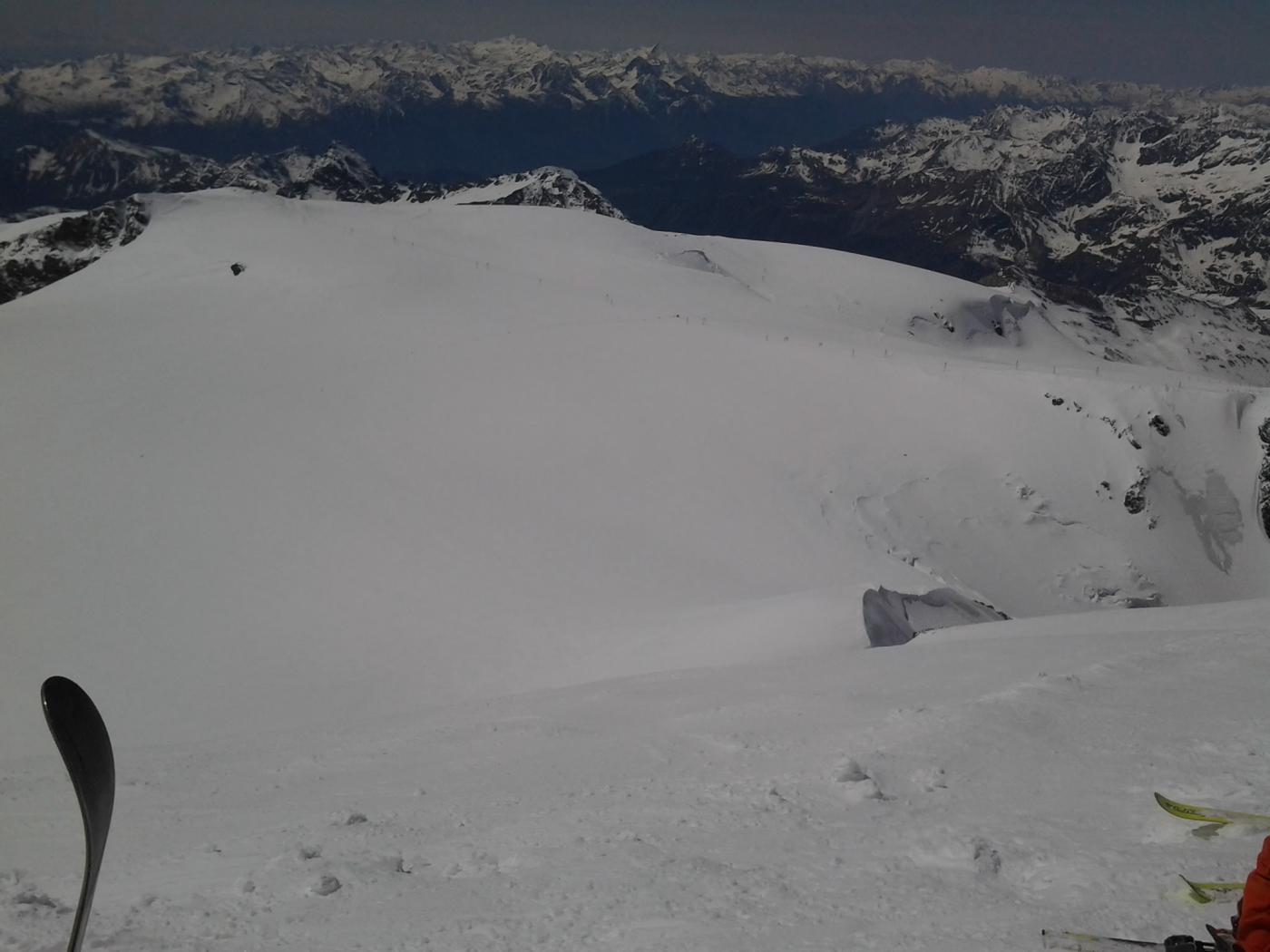 Il vasto plateau dei Breithorn dalla cima