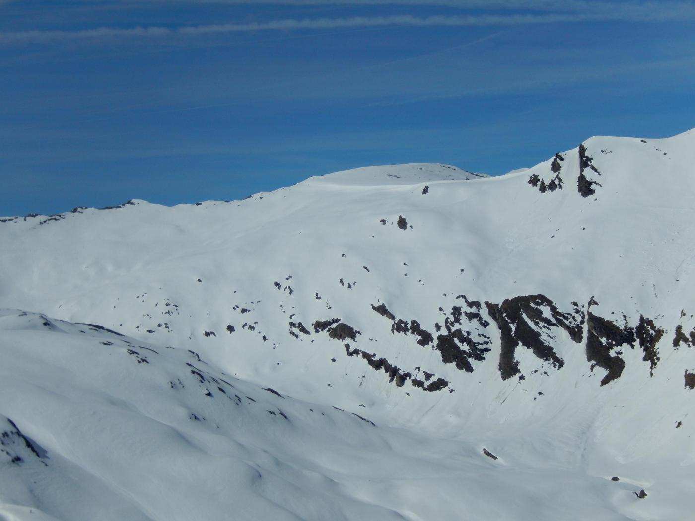 Ancora tanta neve sopra il Miserin.