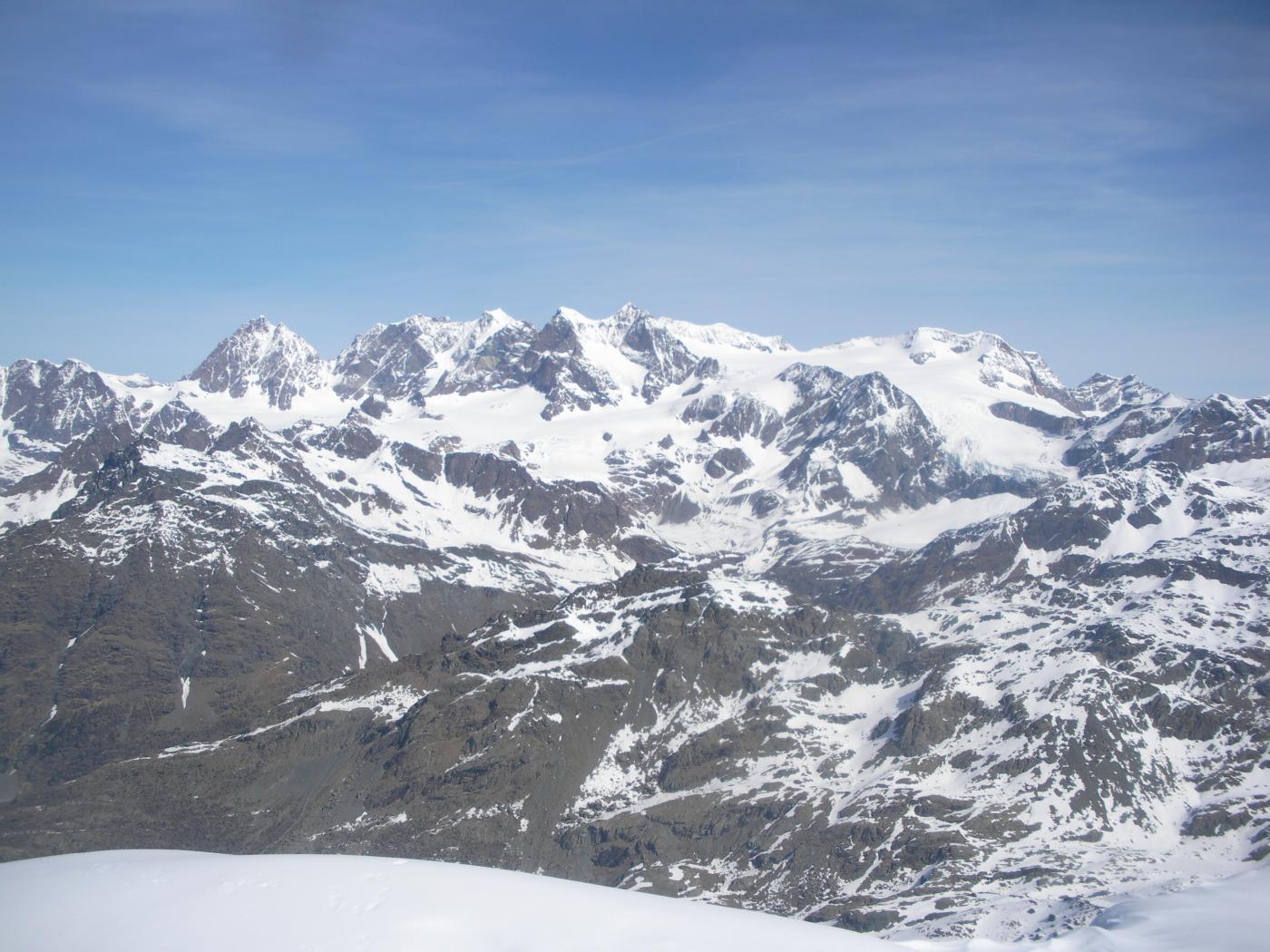 ..con il Bernina a Nord..