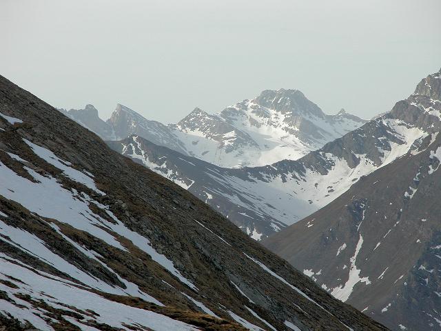sullo sfondo Rocca la Marchisa