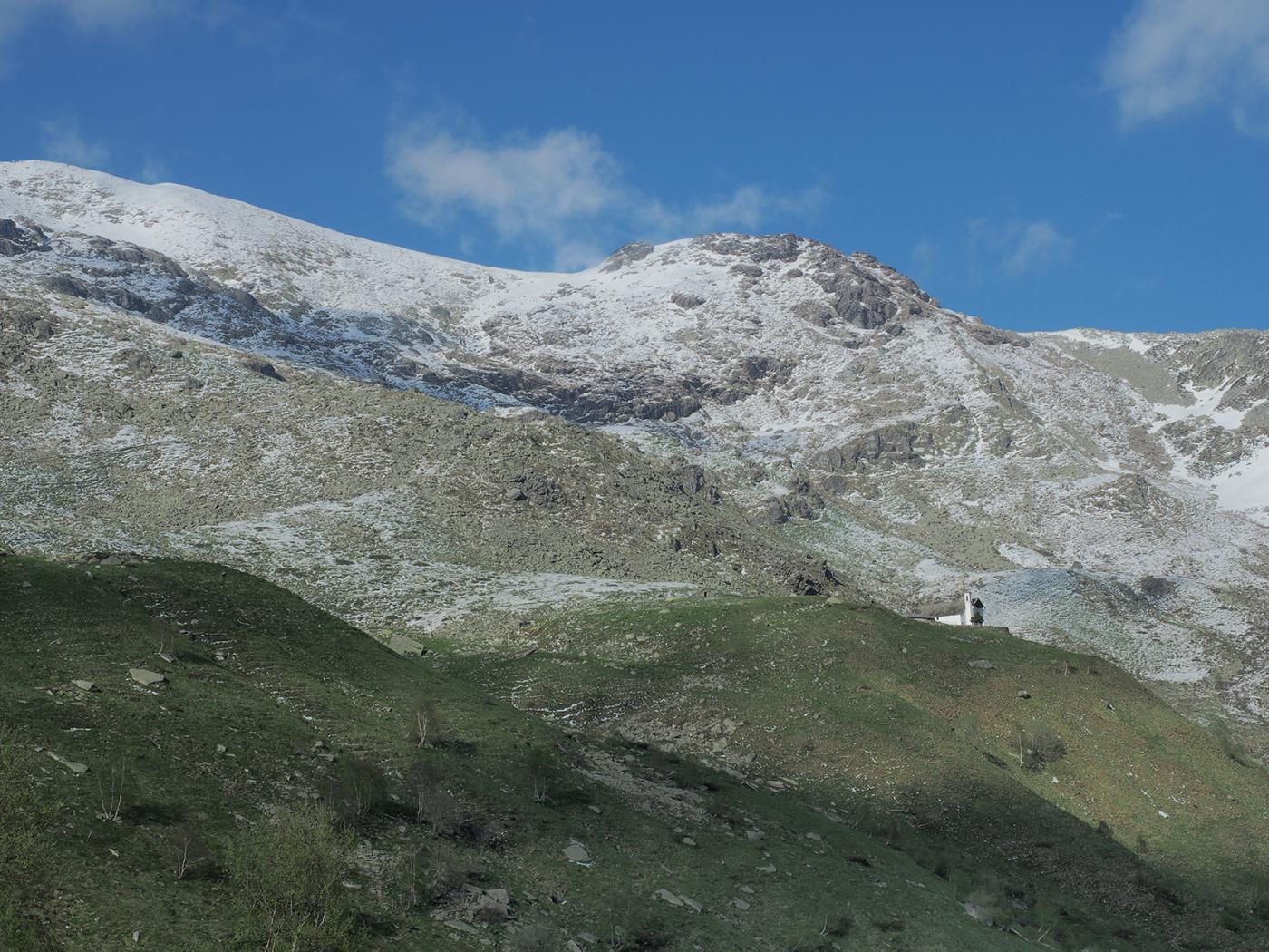 Recente nevicata intorno al santuario