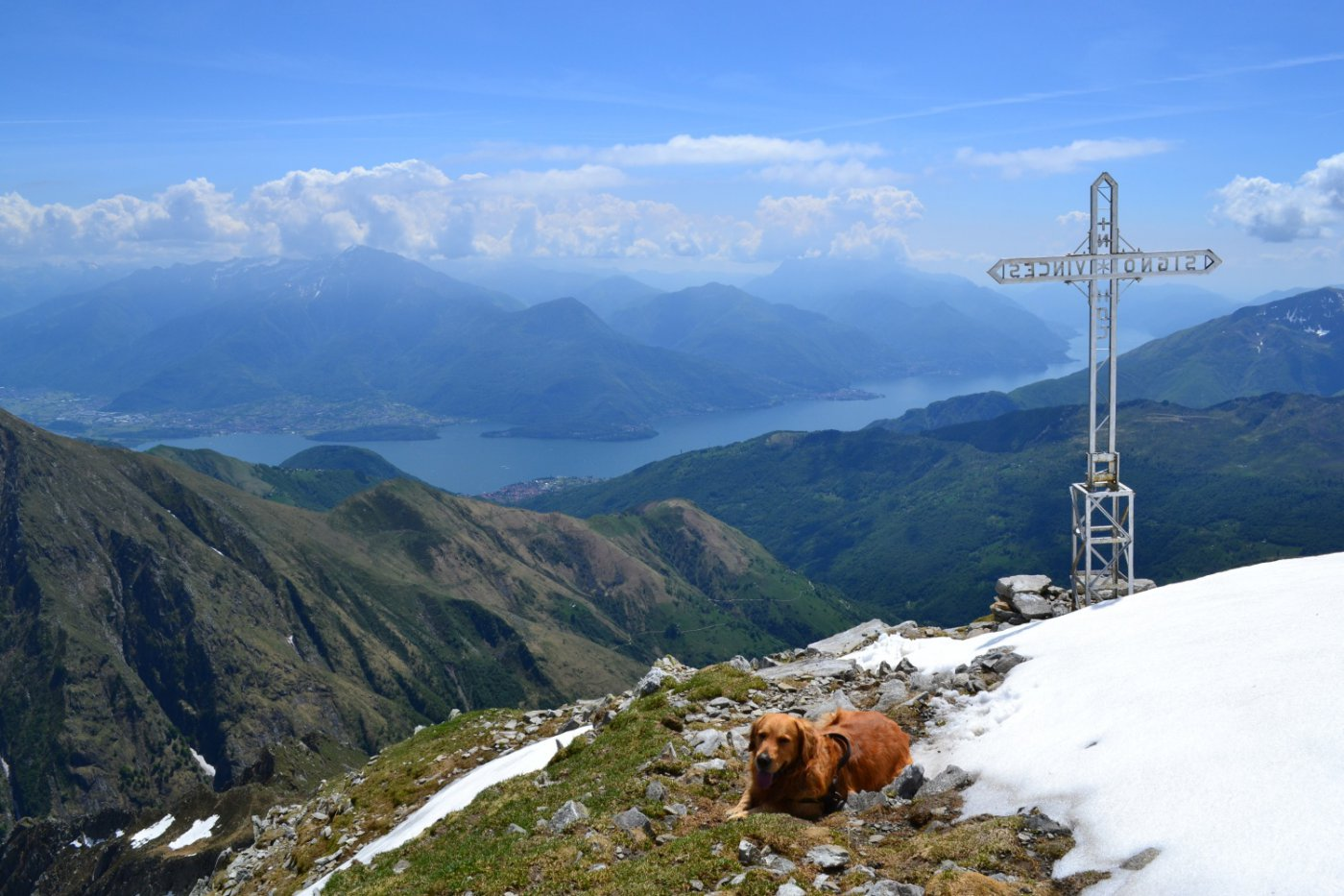 croce con panorama verso il Lago di Como ed il Legnone