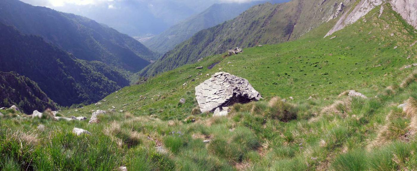 vista dalla baita quota 1800 col vallone di salita