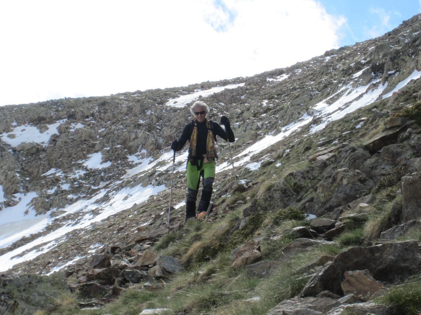 In discesa dalla cima dal versante sud