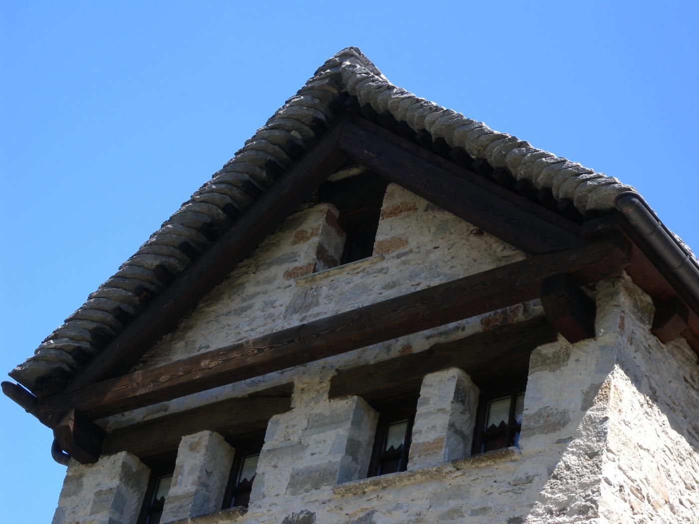 tetto con caratteristiche lose
