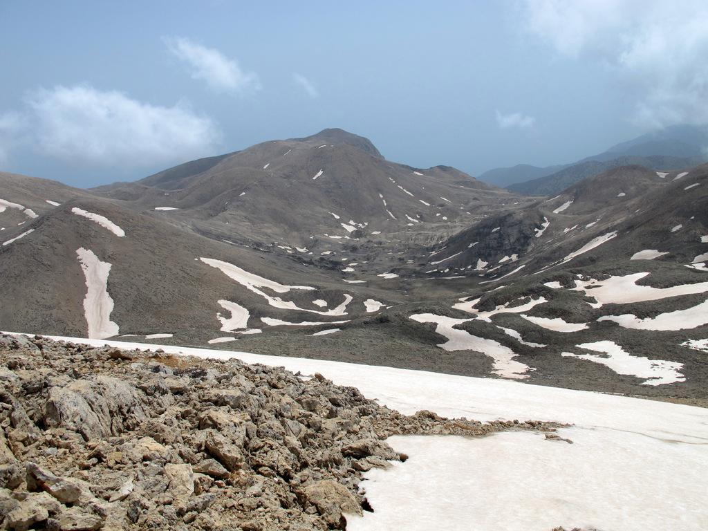 La valle di Gaidara vista scendendo dal Pachnes