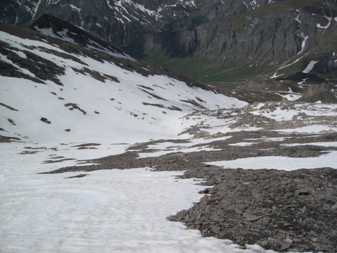 discesa su lingue di neve ma ancora continua