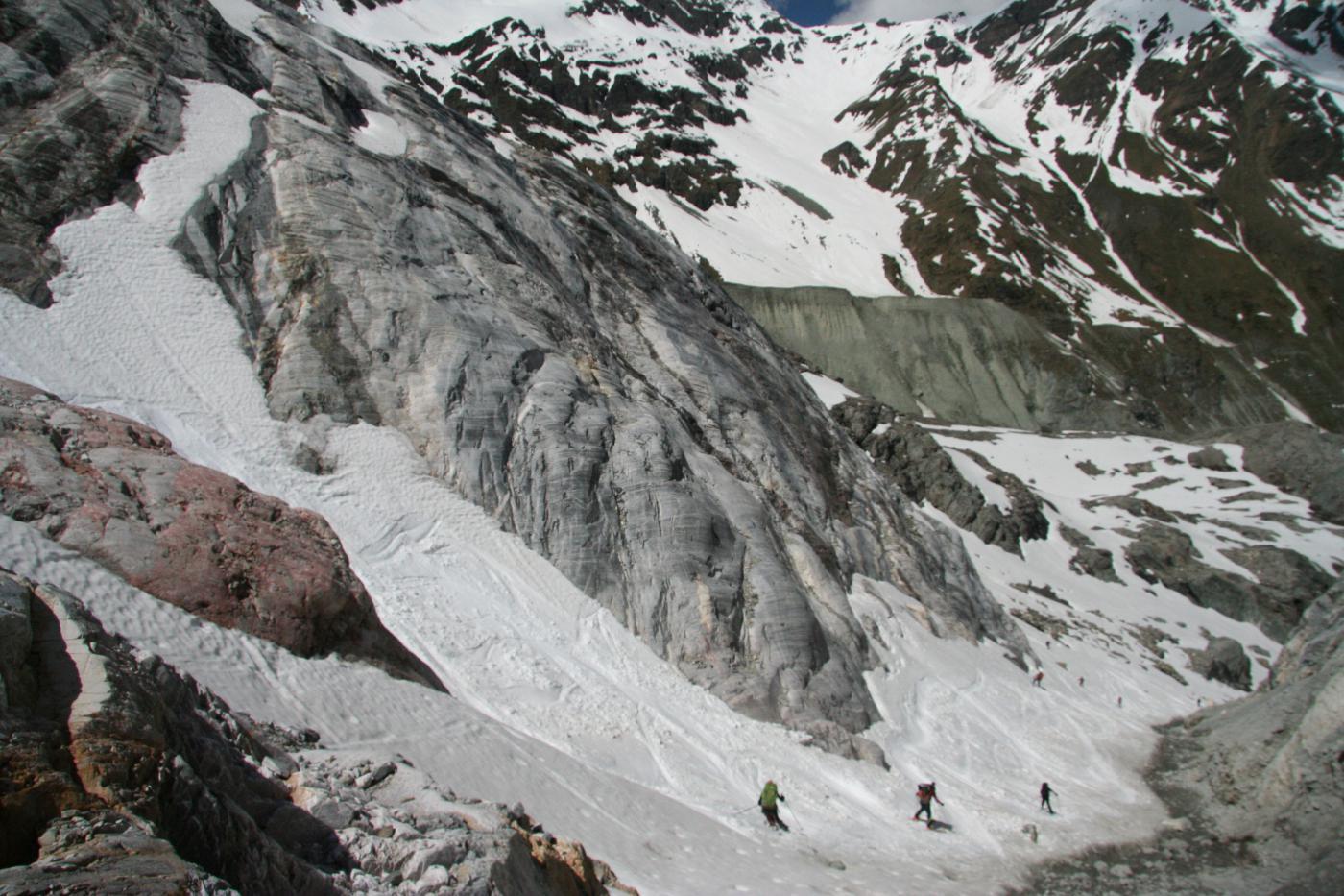 il canale finale, sotto il ghiacciaio...discesa quasi finita