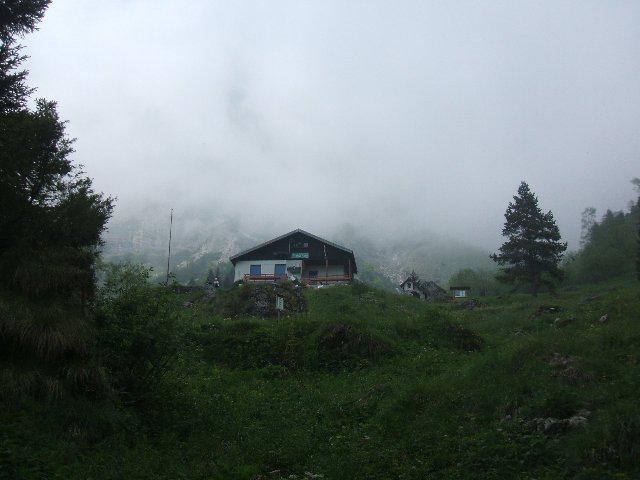rifugio in nebbia