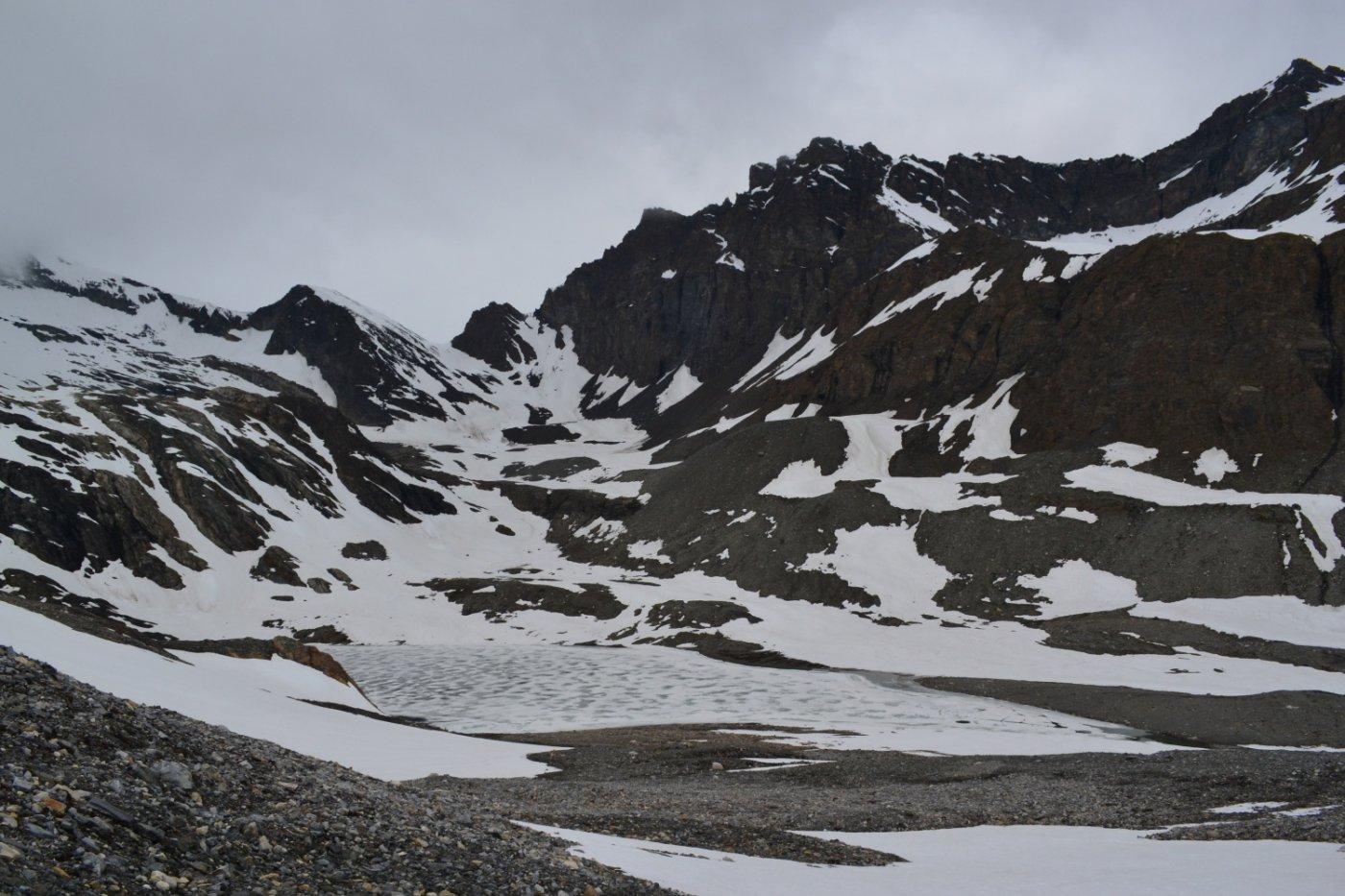 Lago di Goletta ancora ghiacciato