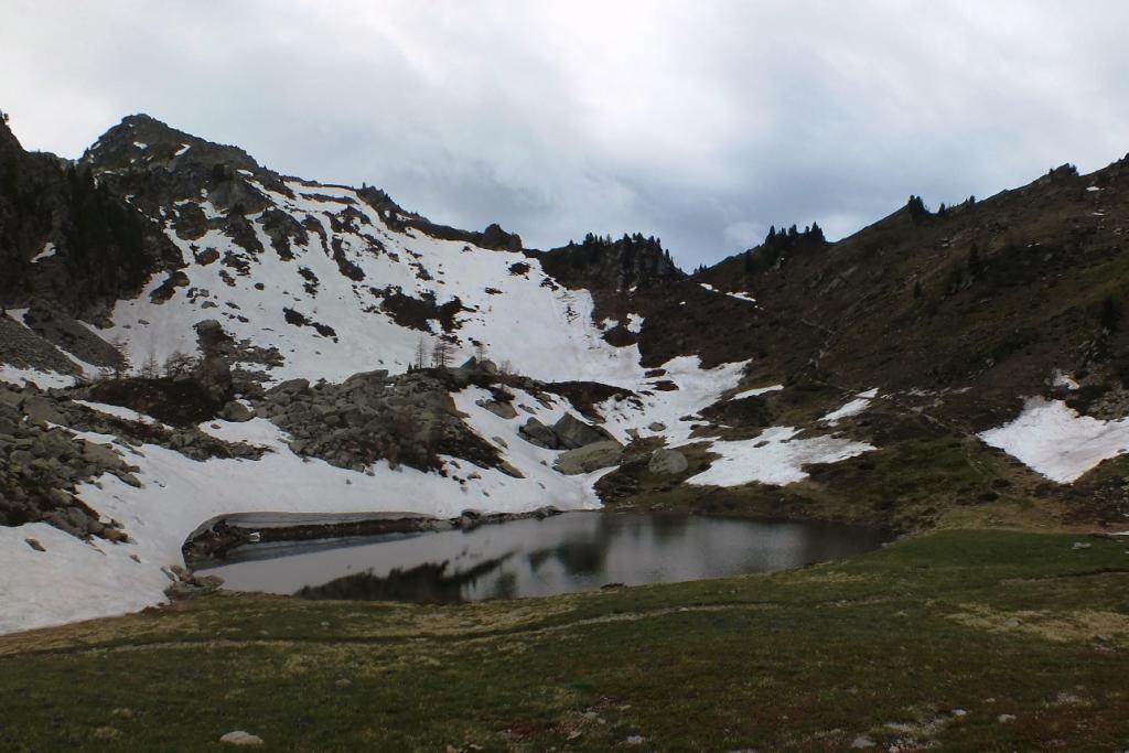 Laghettoe Monte Rena sullo sfondo