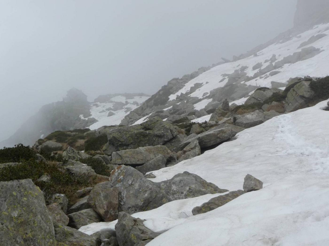 Rifugio Rivetti nella nebbia