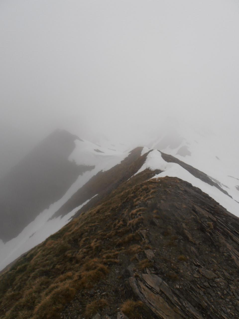 05 - la cresta finale è parzialmente spoglia dalla neve, ben in anticipo rispetto alle foto degli anni precedenti