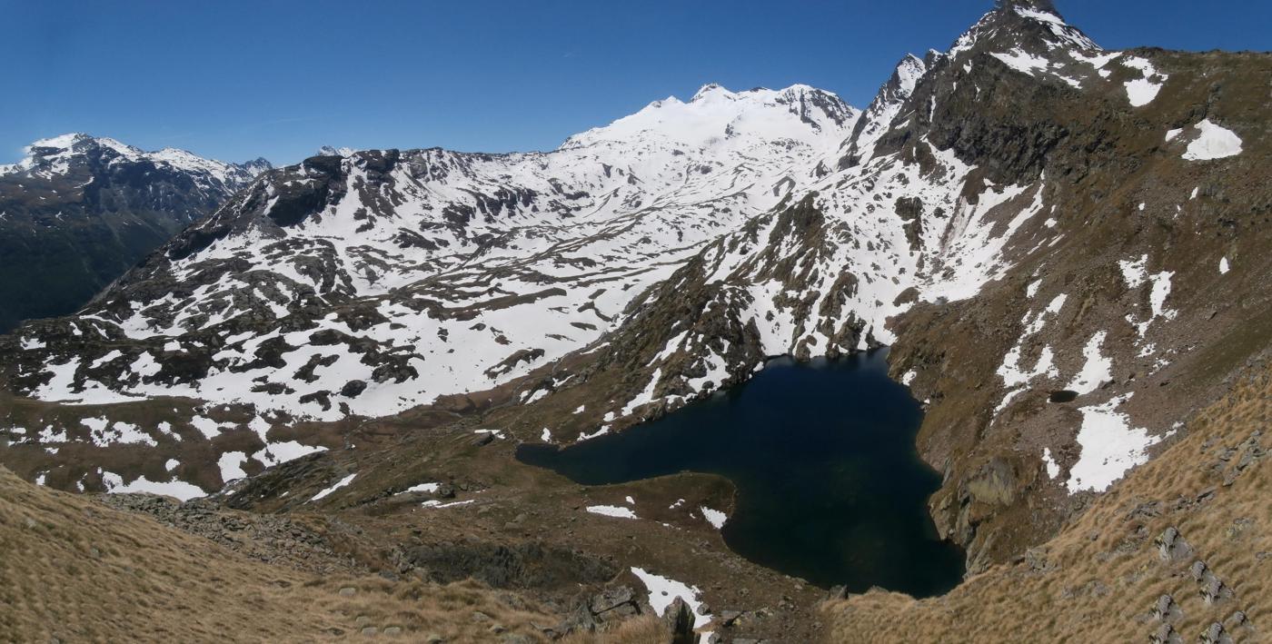 il lago visto dal sentiero verso il Colle Crosatie...