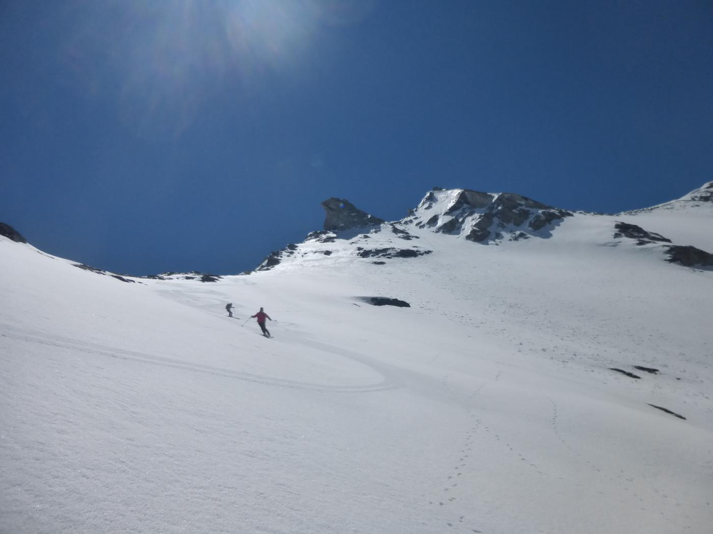 ..bella neve sui pendii superiori...