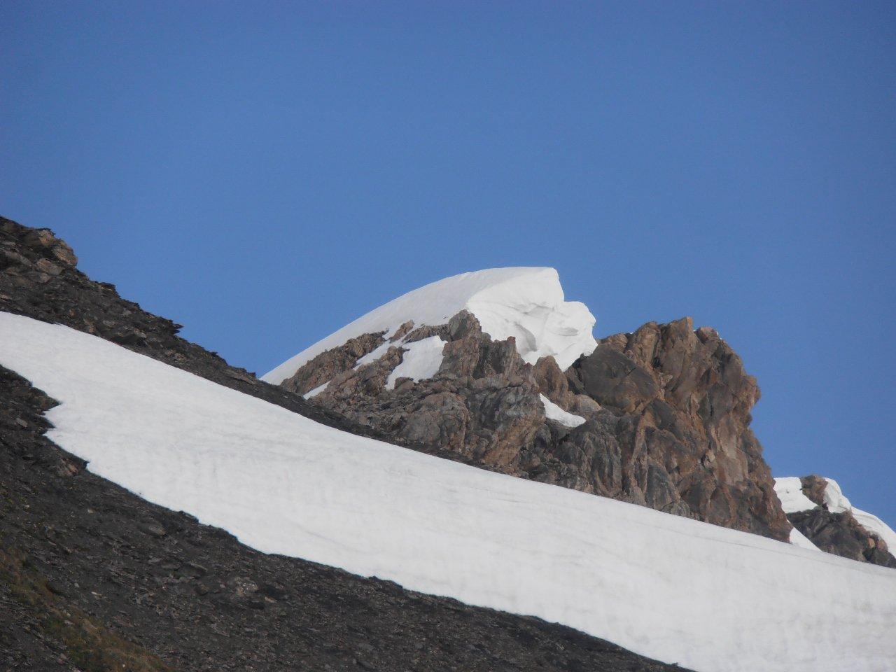 04 - grande cornice di neve in cima al Peleau Blanc