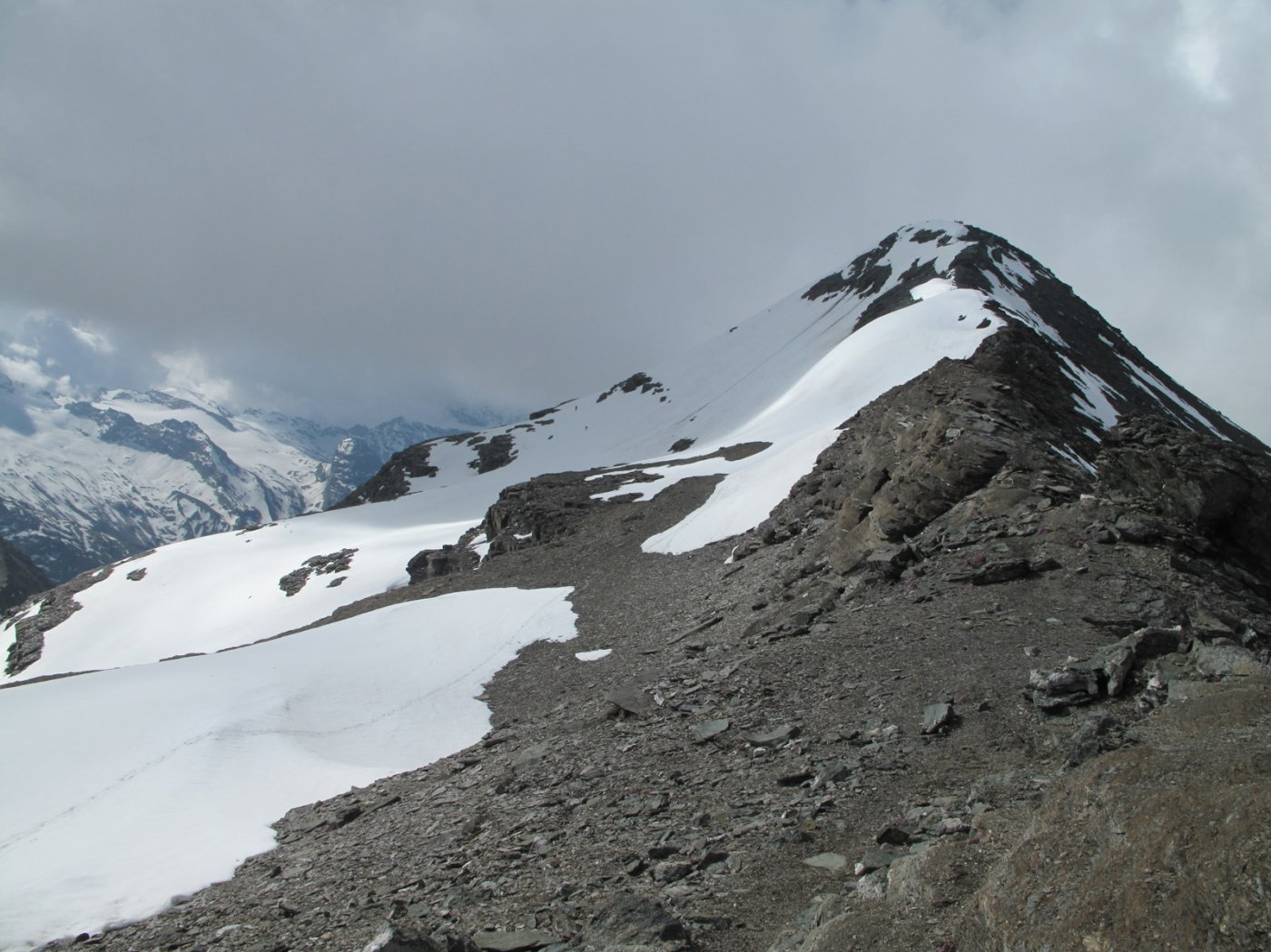 Il lato Est della cima