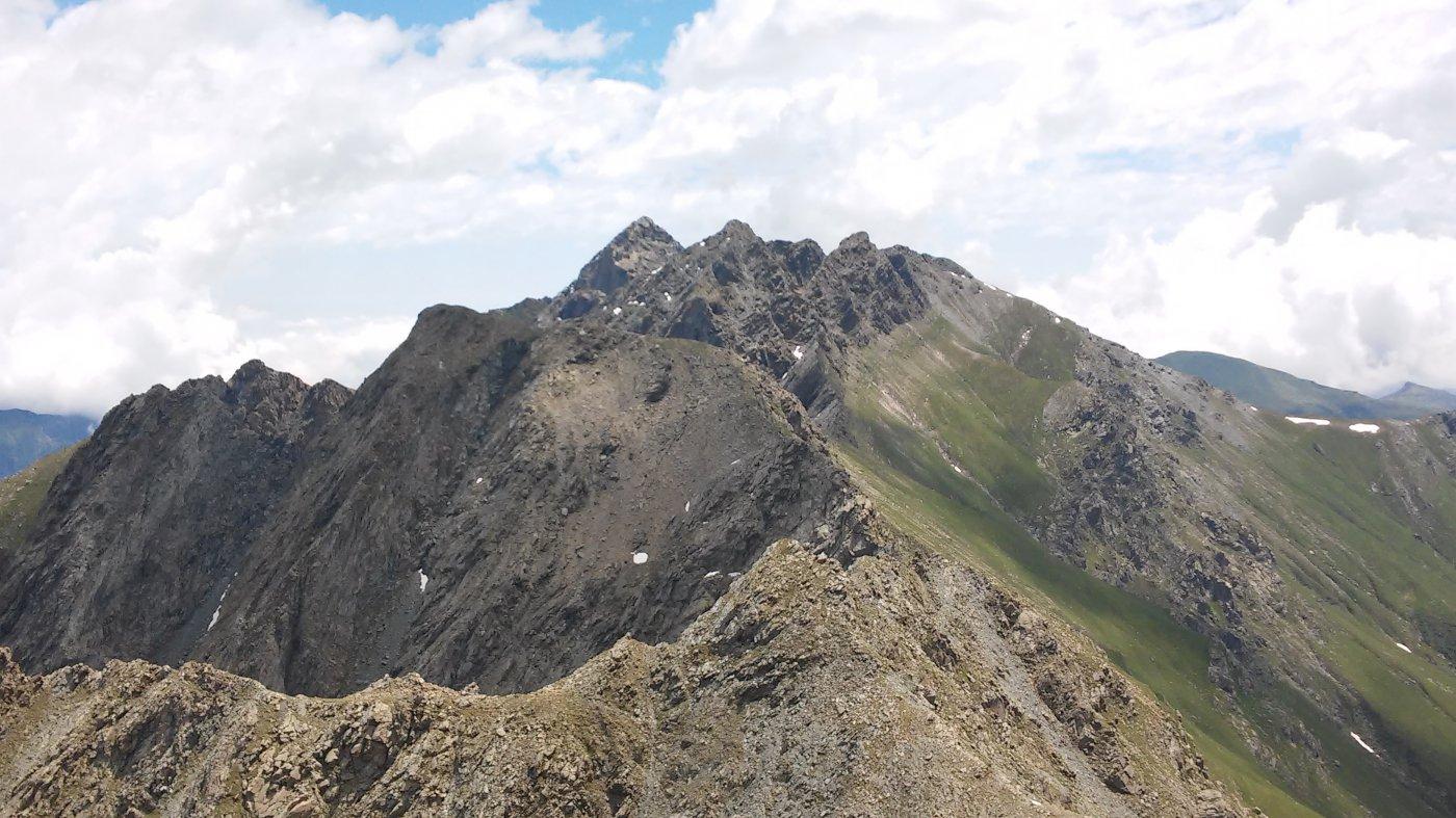 Panorama dalla vetta verso est, con Lunella, Forno e Cruvin