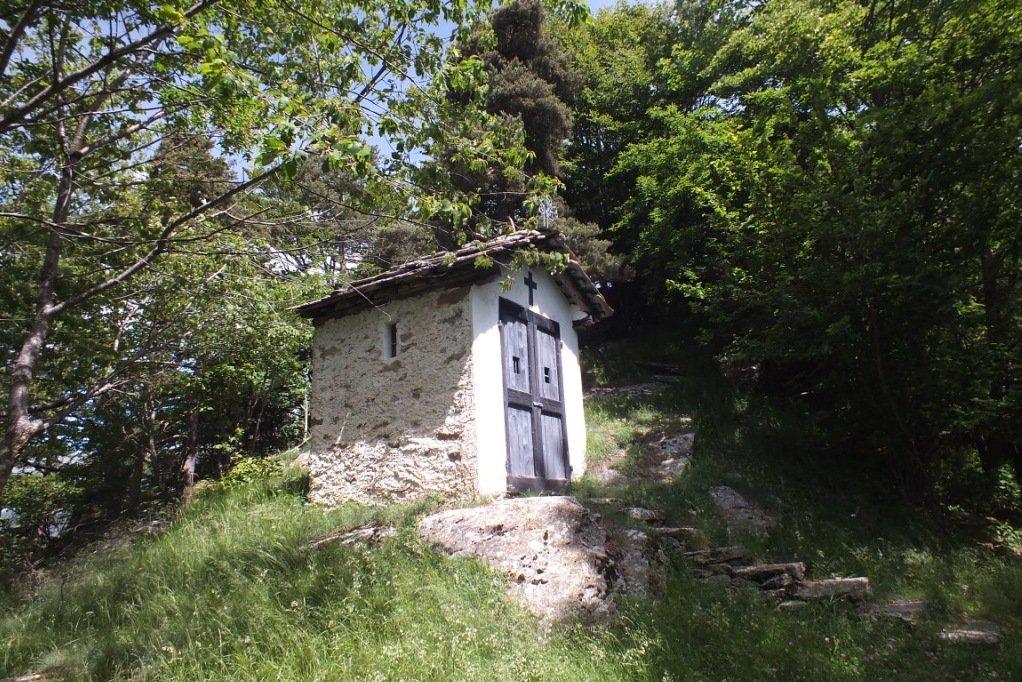 Cappella in prossimità della cima