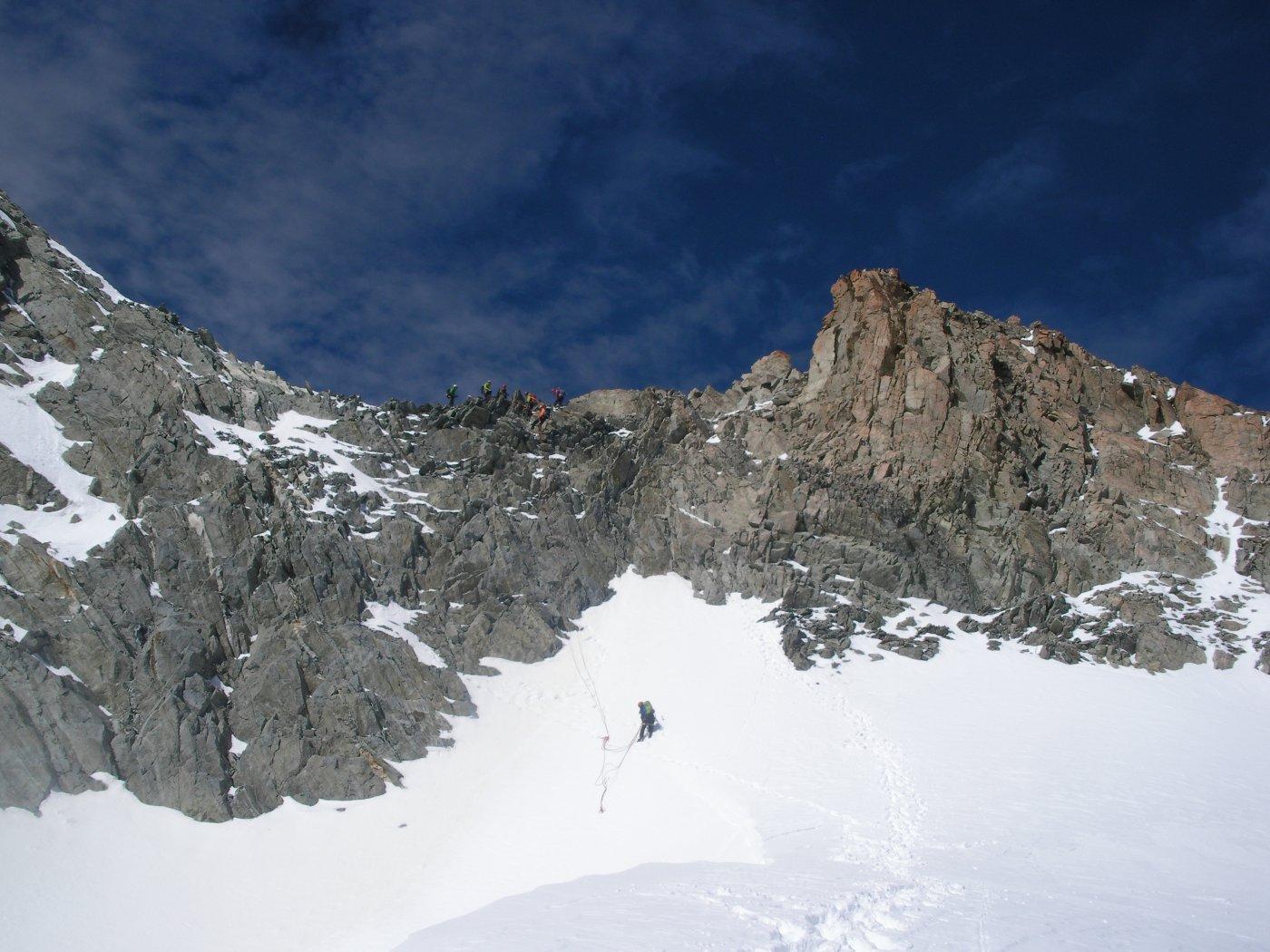 la parte finale rocciosa dell'Eveque..dalla spalla nevosa..