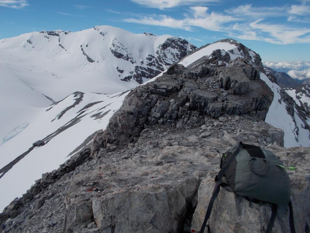Sulla Cima del Chiodo guardando la Punta del Naso e il Monte Cristallo