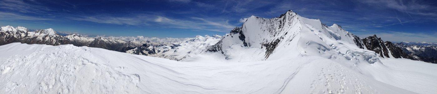 Panorama e condizioni su cresta e ghiacciaio sottostante