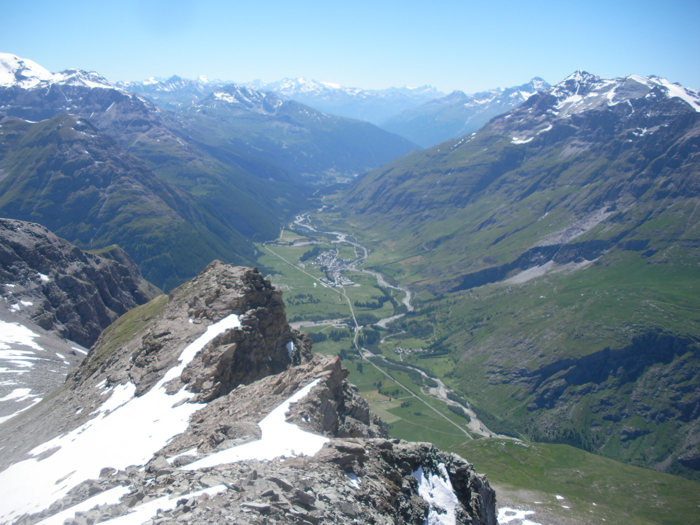 ..e sulla piu' riposante verde valle della Maurienne..
