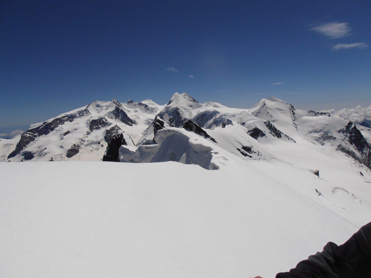 07 - le cime orientali del Monte Rosa viste dal Breithorn Centrale